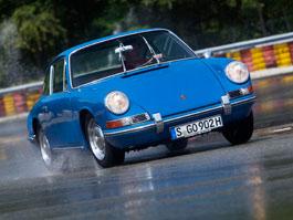 Obutí pro starší vozy Porsche? Přímo u automobilky bez problémů: titulní fotka
