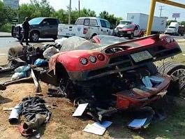 Koenigsegg CCX: Po havárii roztrhaný na kousky: titulní fotka