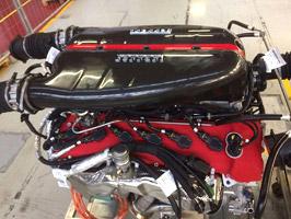 Kupte motor LaFerrari za miliony, láká inzerát s hroznými fotkami: titulní fotka