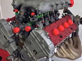Motor z fantastického Ferrari je na prodej. Jeden z nejúžasnějších: titulní fotka