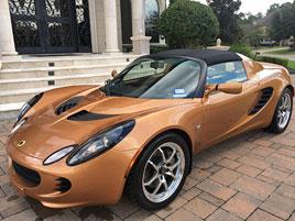 """Tenhle Lotus je prý """"totálka"""". Kvůli škrábanci na nárazníku: titulní fotka"""