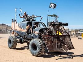 Tenhle pouštní festival vás dostane do světa Šíleného Maxe: titulní fotka