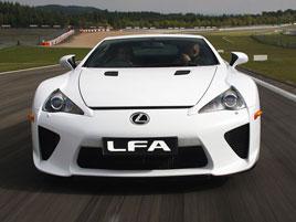 Víte, že si pořád můžete koupit úplně nový Lexus LFA? I když se přestal vyrábět před 6 lety: titulní fotka