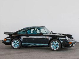 Prohlédněte si unikátní 911, která stála u zrodu oddělení Porsche Exclusive. Je tu hodně tyrkysové: titulní fotka