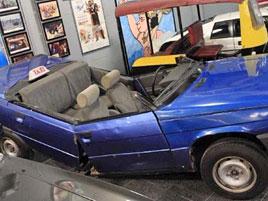Na prodej je auto, kterým jezdil James Bond. A nebude asi úplně drahé. Akorát se v něm už nesvezete: titulní fotka