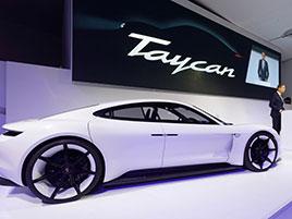 Vrcholná verze Porsche Taycan se bude jmenovat Turbo. I když je to elektromobil: titulní fotka