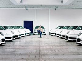 Takového kamaráda hledáme! Muž koupil 22 stejných 911 GT3. Pro svoje přátele: titulní fotka