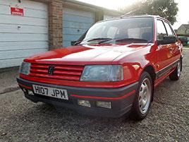 Další parádní objev. V jedné garáži se ukrýval prakticky nejetý Peugeot 309 GTI, může být váš: titulní fotka