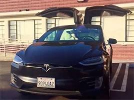 Tahle Tesla už najezdila více než půl milionu kilometrů. Co myslíte, že to udělalo s baterií?: titulní fotka