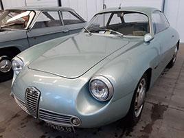 Opuštěná Alfa Romeo, která se našla po 35 letech, se prodala v dražbě. A vážně ne levně: titulní fotka