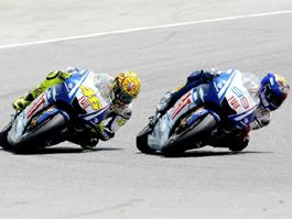 GP Katalánska - heroický souboj jezdců Fiat Yamaha: titulní fotka