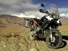 Motocyklem roku 2009 je BMW R 1200 GS Adventure: titulní fotka