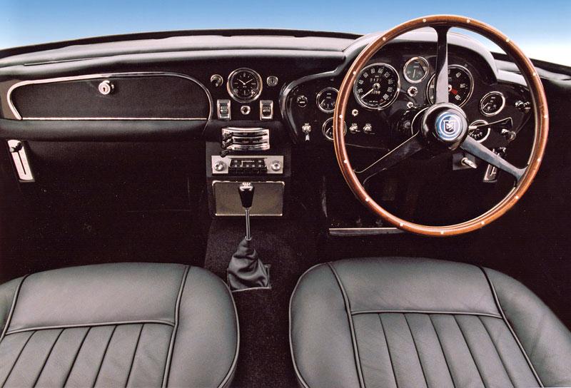 Aston Martin DB5 po Jamesi Bondovi prodán: - fotka 4