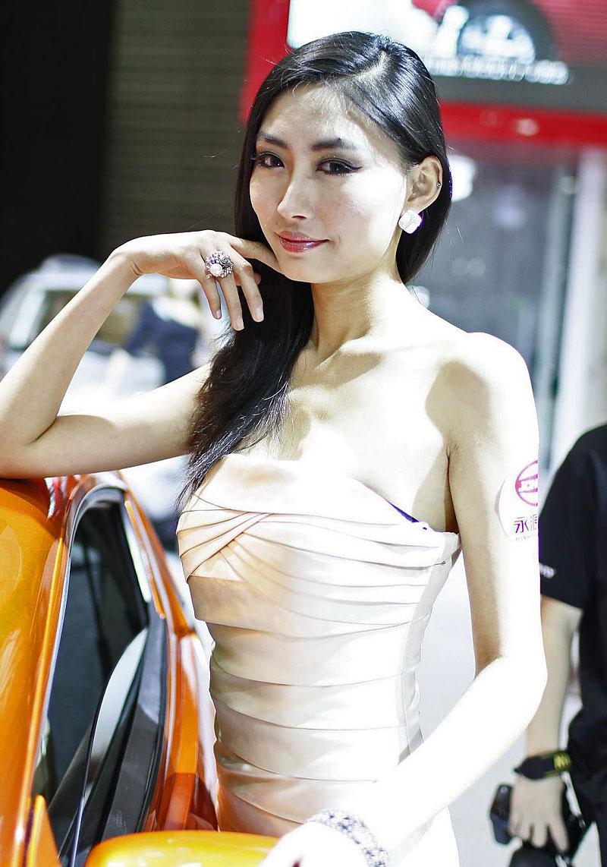 Šanghaj 2011: Babes, díl III.: - fotka 3
