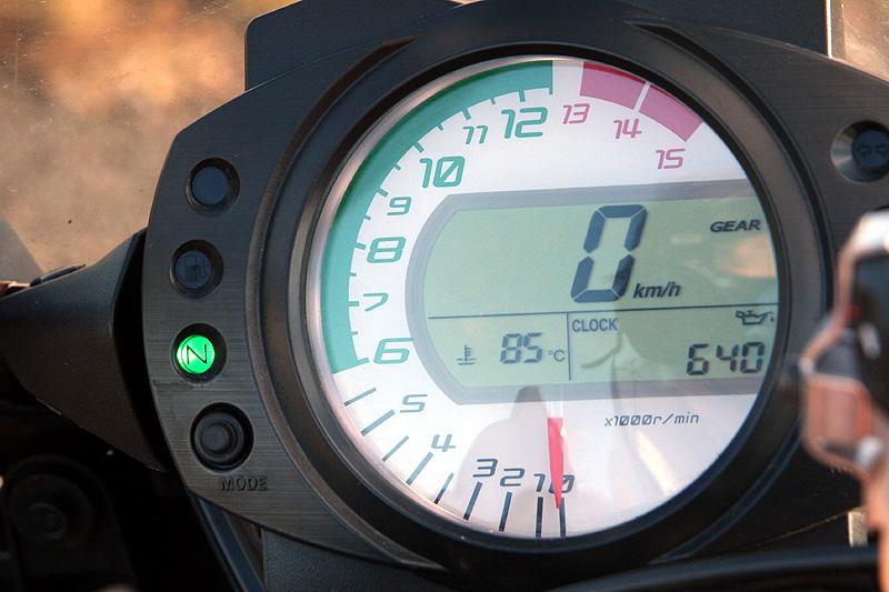 Test - Kawasaki ZX-10R Ninja: král mezi supersporty: - fotka 1