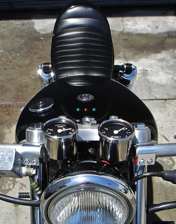 Ryca Motors CS-1: café racer z chopperu: - fotka 1