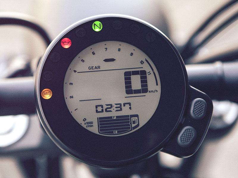 Yamaha XSR700: Rychlý potomek: - fotka 1