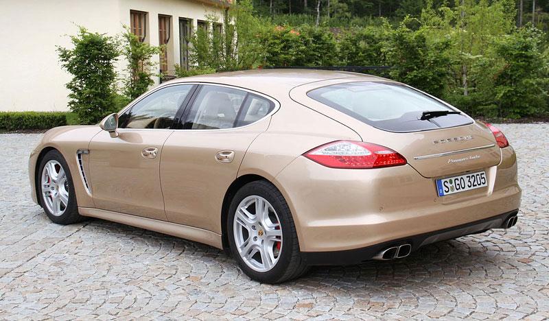 Panamera je zřejmě novým nejrychlejším sedanem Nordschleife: - fotka 41
