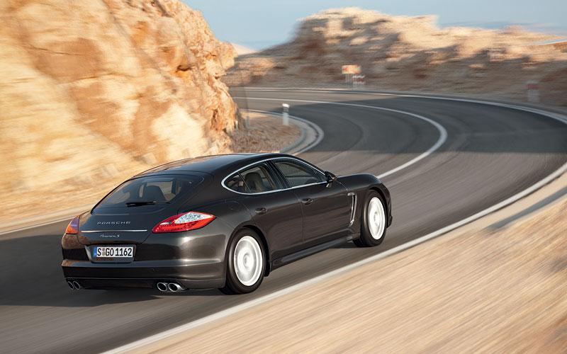 Panamera je zřejmě novým nejrychlejším sedanem Nordschleife: - fotka 44