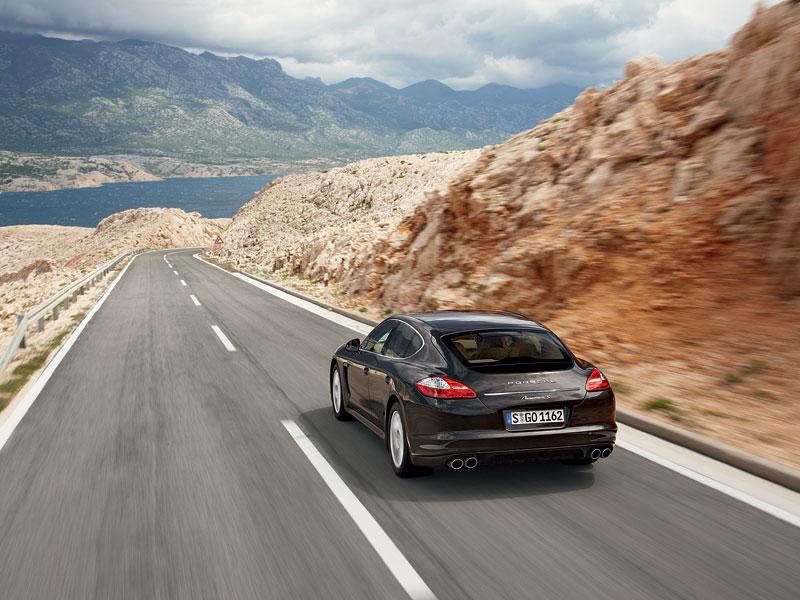 Panamera je zřejmě novým nejrychlejším sedanem Nordschleife: - fotka 45