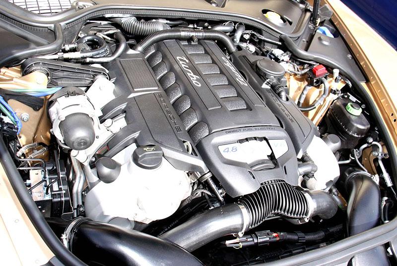 Panamera je zřejmě novým nejrychlejším sedanem Nordschleife: - fotka 57