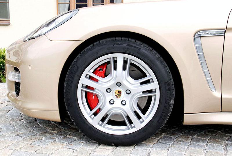 Panamera je zřejmě novým nejrychlejším sedanem Nordschleife: - fotka 63
