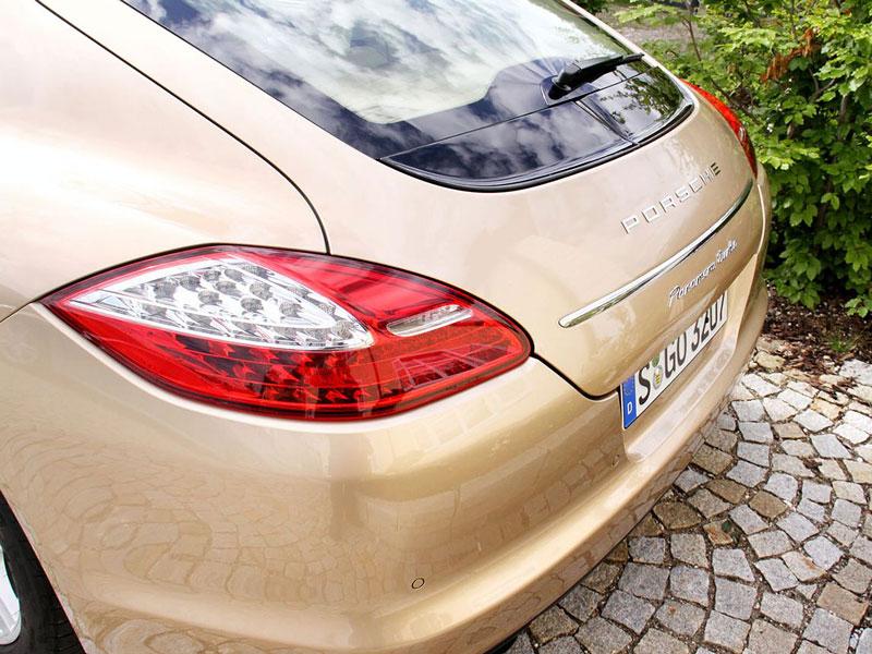 Panamera je zřejmě novým nejrychlejším sedanem Nordschleife: - fotka 66