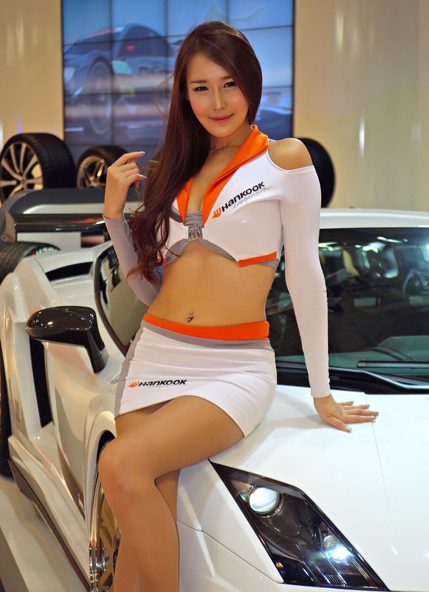 Zakáže Šanghaj autosalonové sexy modelky?: - fotka 3