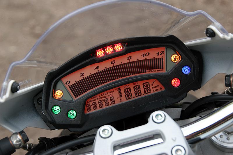 Test - Ducati Monster 696 - první z nové vlny: - fotka 1