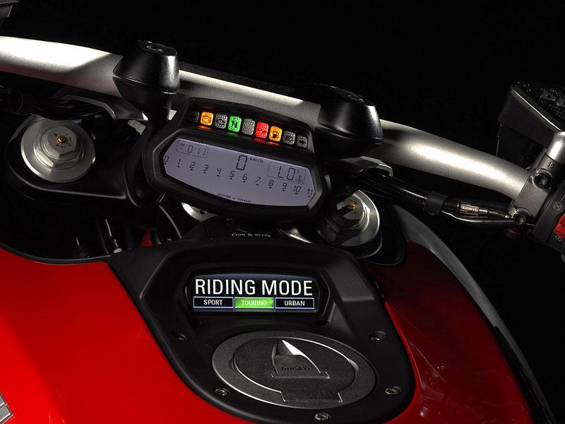 Oficiální představení Ducati Diavel: - fotka 1