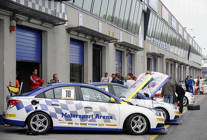 Essen Motor Show 2010: velká fotogalerie závodních aut: - fotka 1