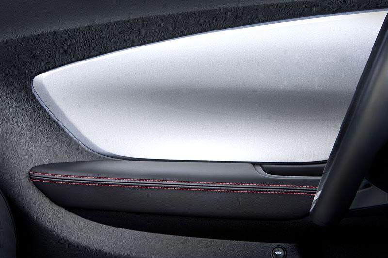 SEMA 2010: Chevrolet Camaro SSX Track Car Concept ...a ti druzí: - fotka 6