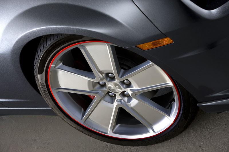 SEMA 2010: Chevrolet Camaro SSX Track Car Concept ...a ti druzí: - fotka 10