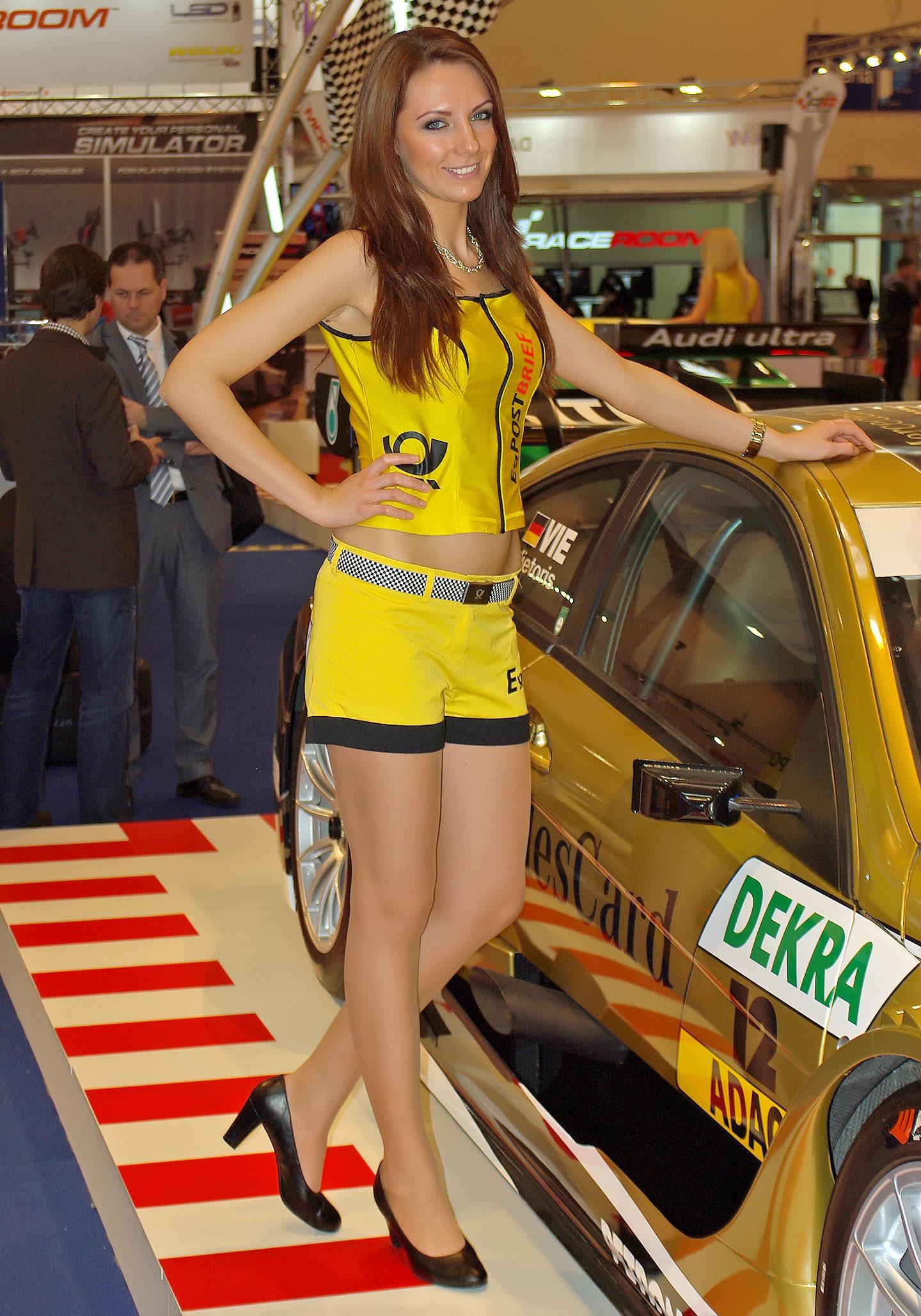 Zakáže Šanghaj autosalonové sexy modelky?: - fotka 11