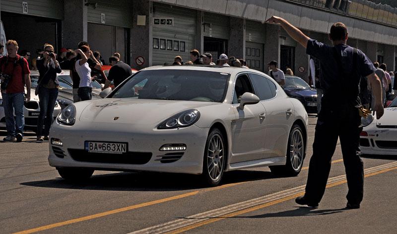 Fotoreportáž: setkání Klubu sportovních aut Brno 2012: - fotka 43