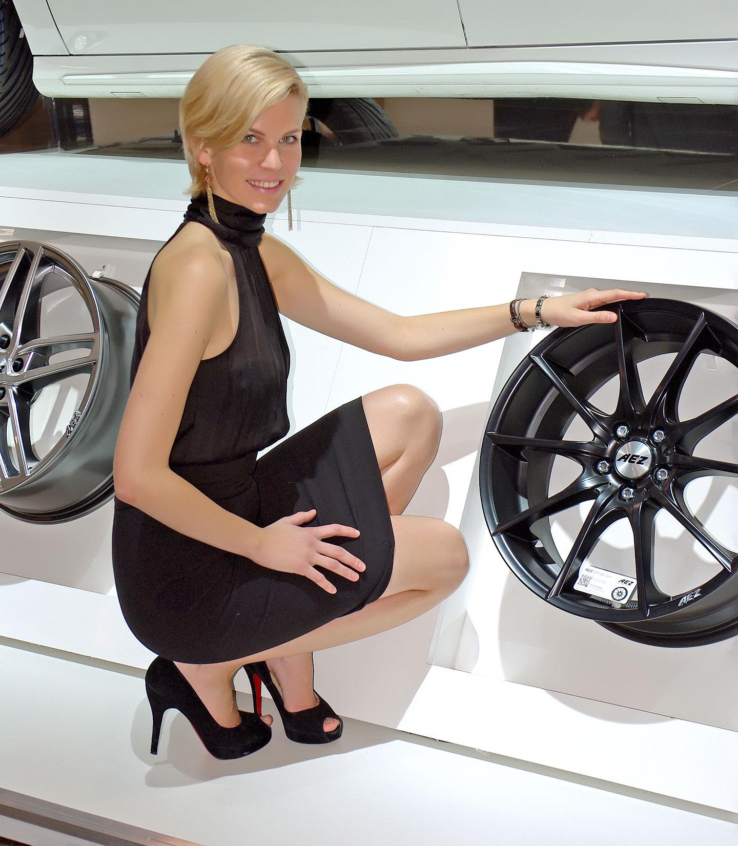 Zakáže Šanghaj autosalonové sexy modelky?: - fotka 13