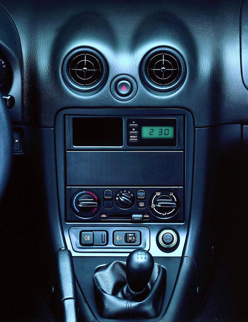 Pod lupou: Mazda MX-5 – Dvacet let s větrem ve vlasech (Díl druhý): - fotka 52