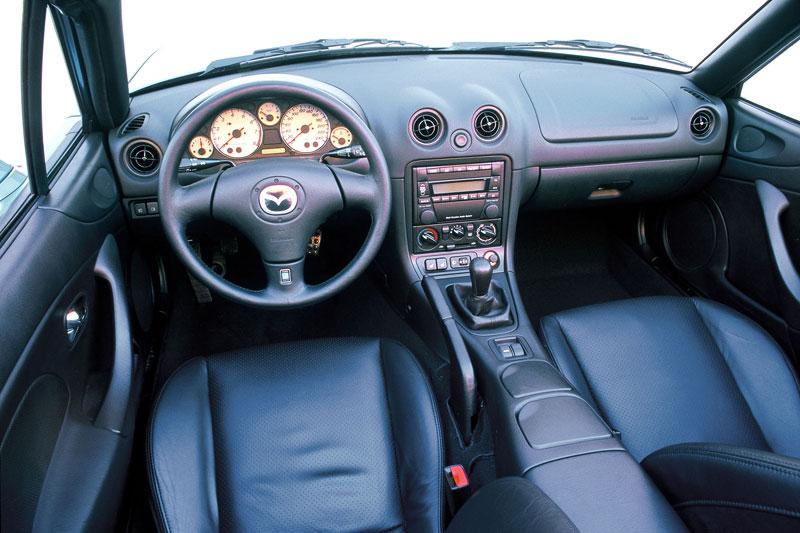 Pod lupou: Mazda MX-5 – Dvacet let s větrem ve vlasech (Díl druhý): - fotka 94