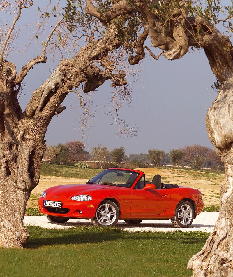Pod lupou: Mazda MX-5 – Dvacet let s větrem ve vlasech (Díl druhý): - fotka 132