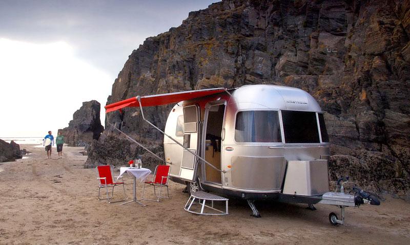 Airstream Bambi 422: stylový karavan pro Evropu: - fotka 3