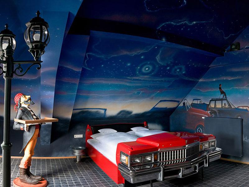 V8 hotel ve Stuttgartu: kdy jste naposledy přespali v myčce?: - fotka 2