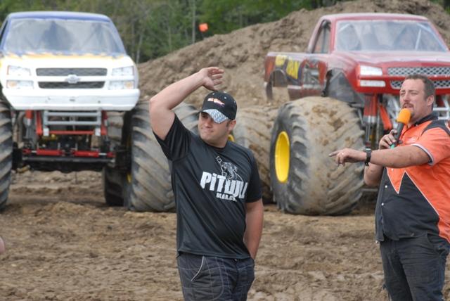 Bad Habit: Rekordní skok v monster trucku: - fotka 2