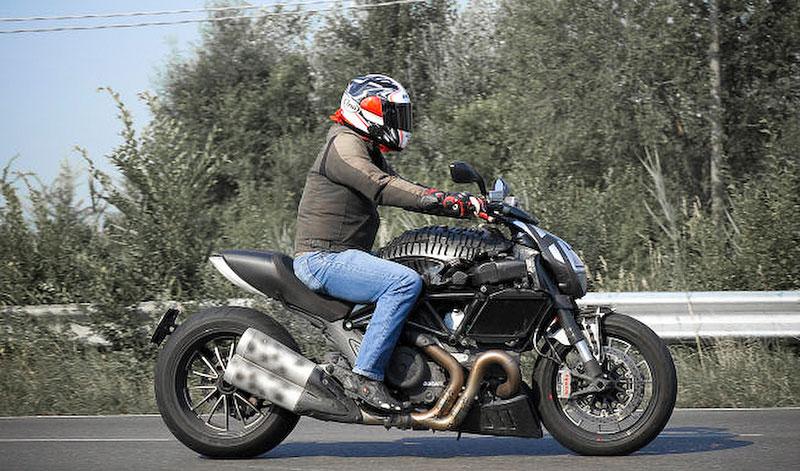Ducati Diavel – První foto konečné verze: - fotka 2