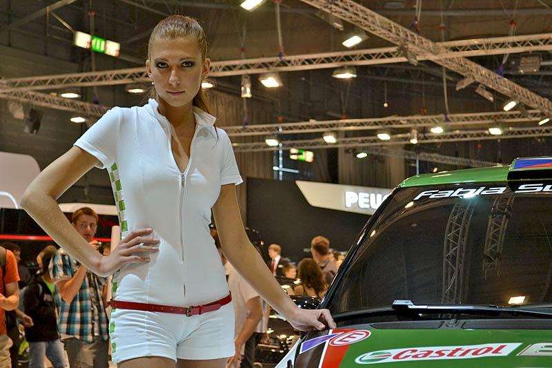 Autosalon Brno 2011: Babes: - fotka 2