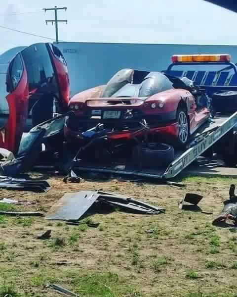 Koenigsegg CCX: Po havárii roztrhaný na kousky: - fotka 2
