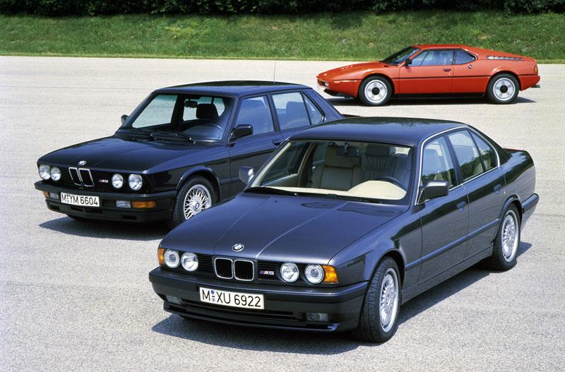 Pod lupou: BMW M5 - Bavorský dálniční expres: - fotka 16