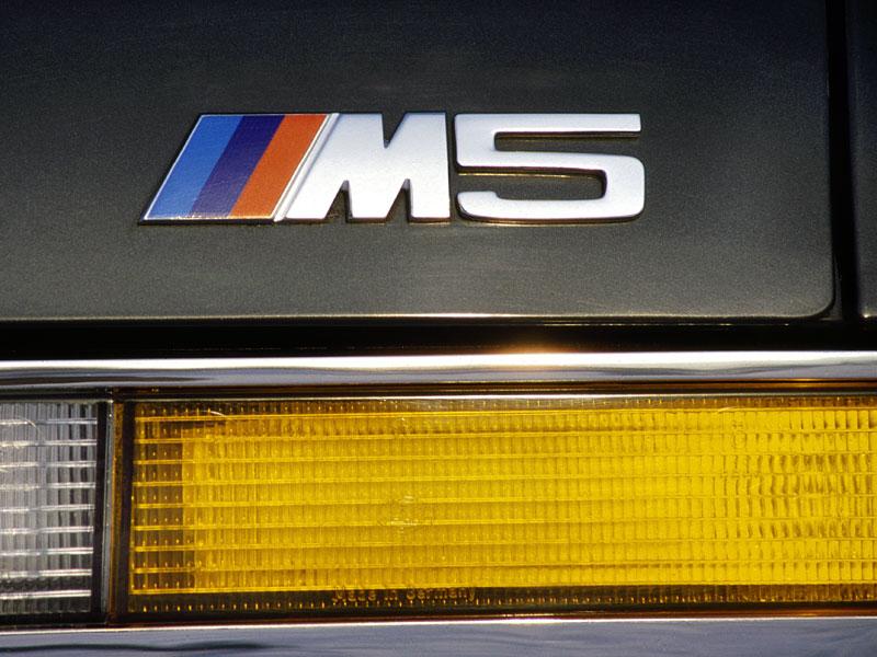 Pod lupou: BMW M5 - Bavorský dálniční expres: - fotka 27