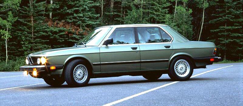 Pod lupou: BMW M5 - Bavorský dálniční expres: - fotka 31