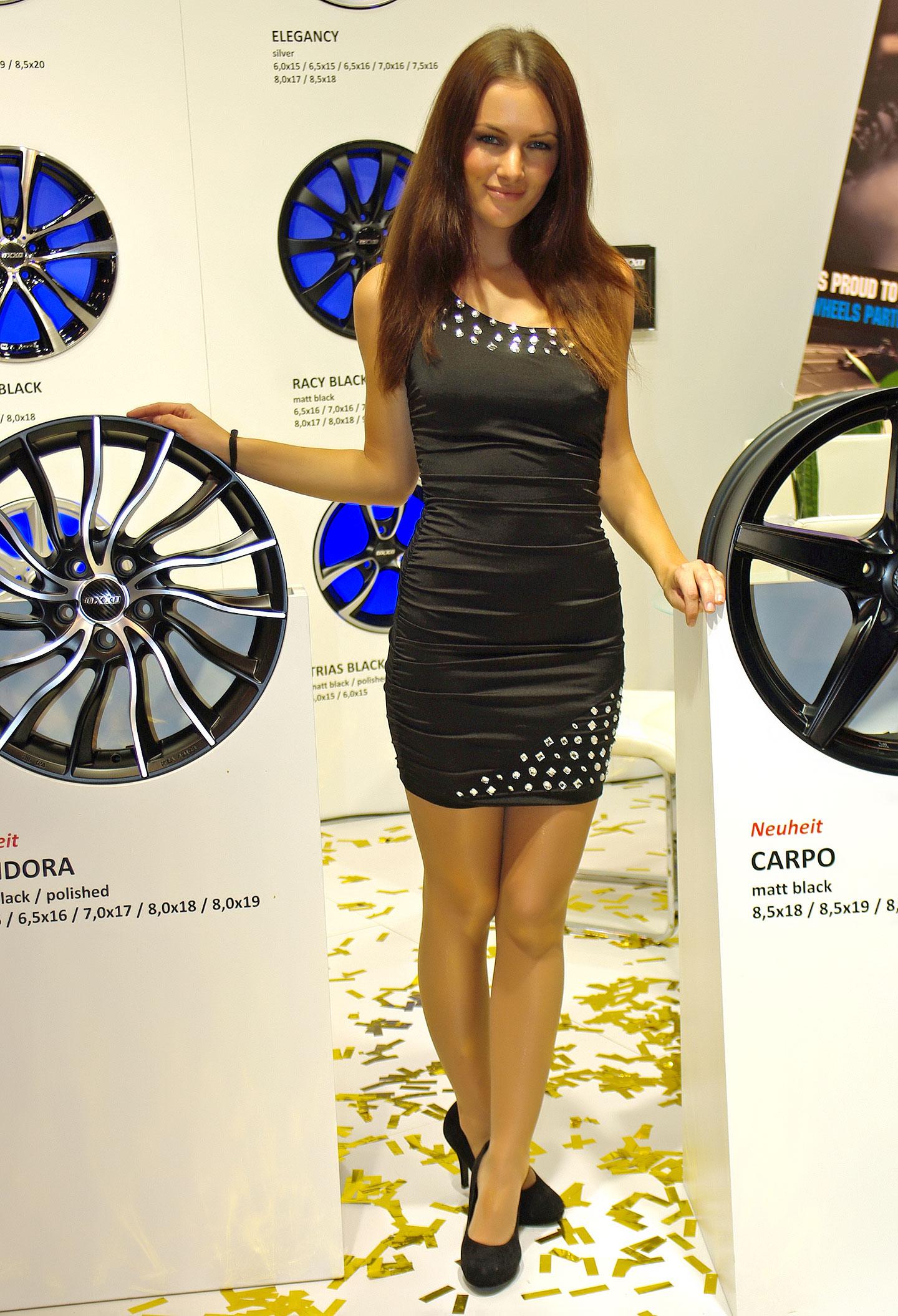 Zakáže Šanghaj autosalonové sexy modelky?: - fotka 20