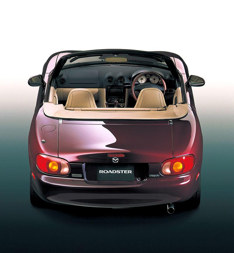 Pod lupou: Mazda MX-5 – Dvacet let s větrem ve vlasech (Díl druhý): - fotka 206